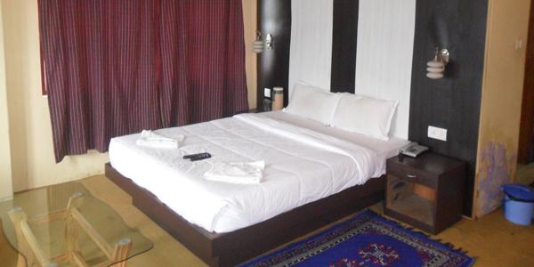 Suit Room with Breakfast