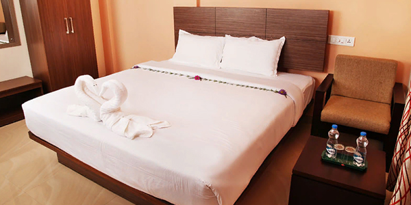 Sugar Pine Double Bed Room with breakfast