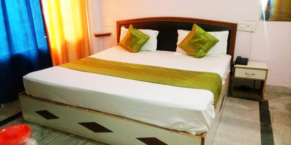 Deluxe Double Bed Room with Breakfast
