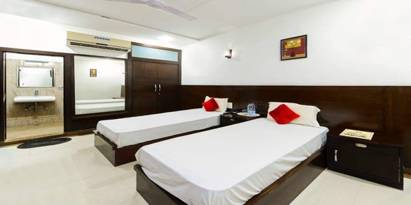 Twin Bed AC Room