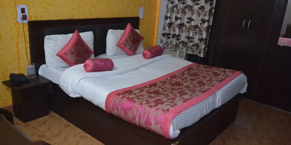 Standard Non-AC Double Bed Room with Breakfast