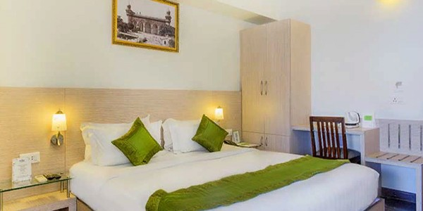 Deluxe AC Double Bed Room with Free Breakfast