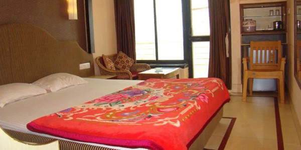 Suite AC Double Bed Room with Breakfast