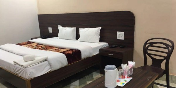 Deluxe Non-AC Double Bed with Attached Bath